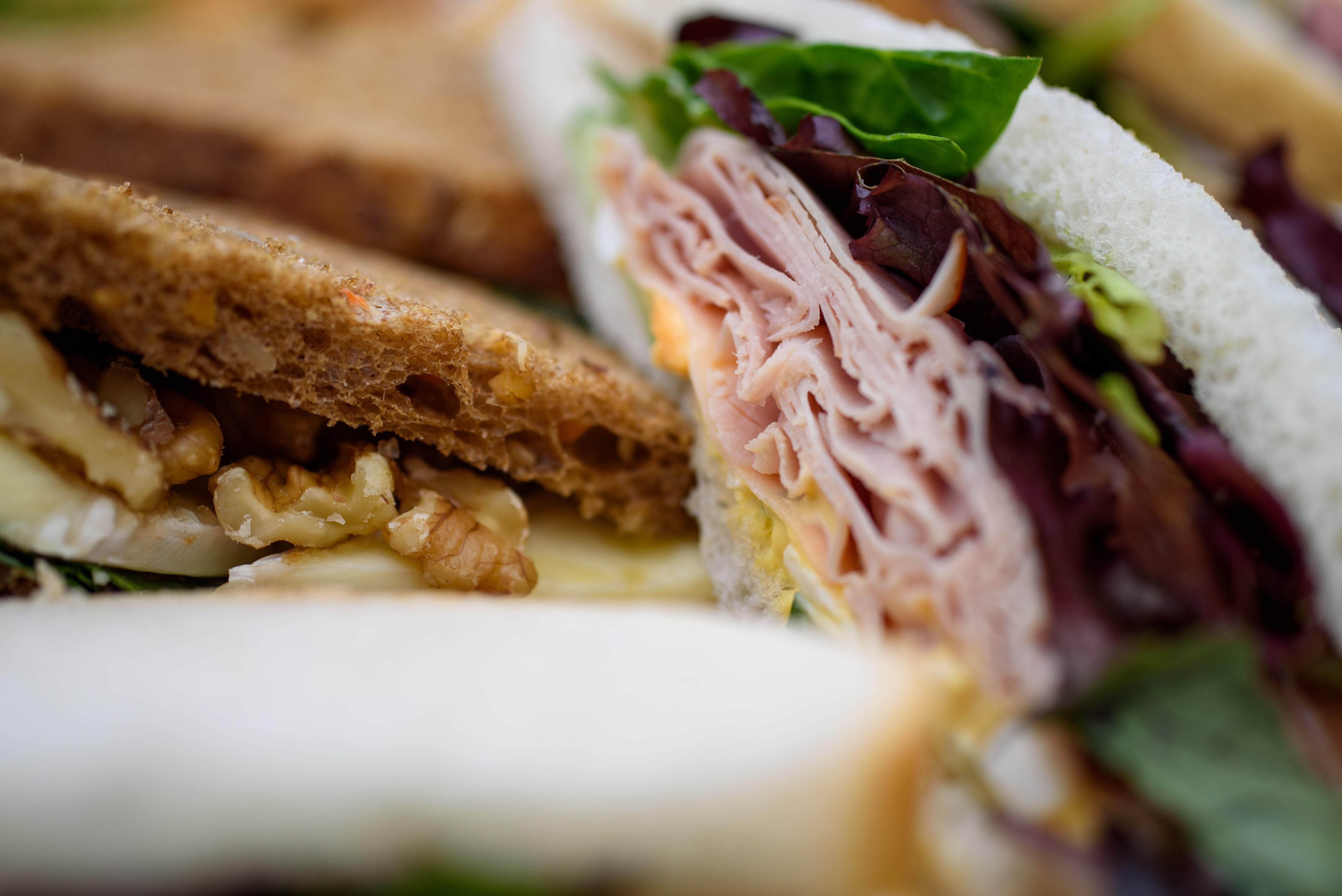 Sandwich basis