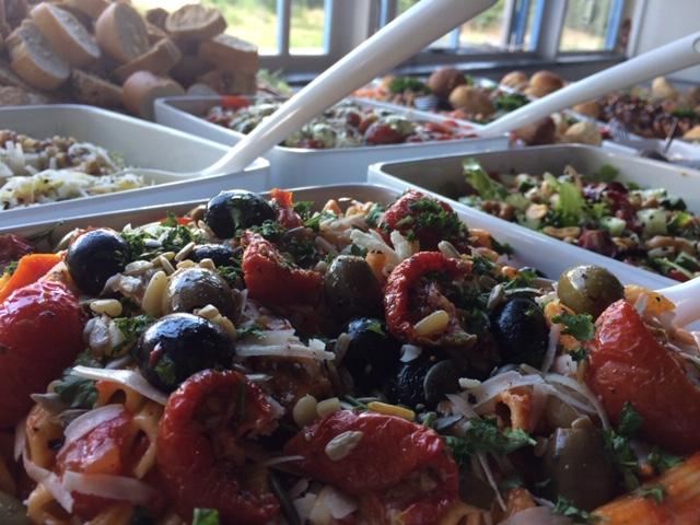 Salades met dagverse producten